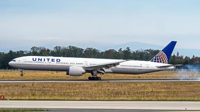 N2243U - United Airlines Boeing 777-300ER