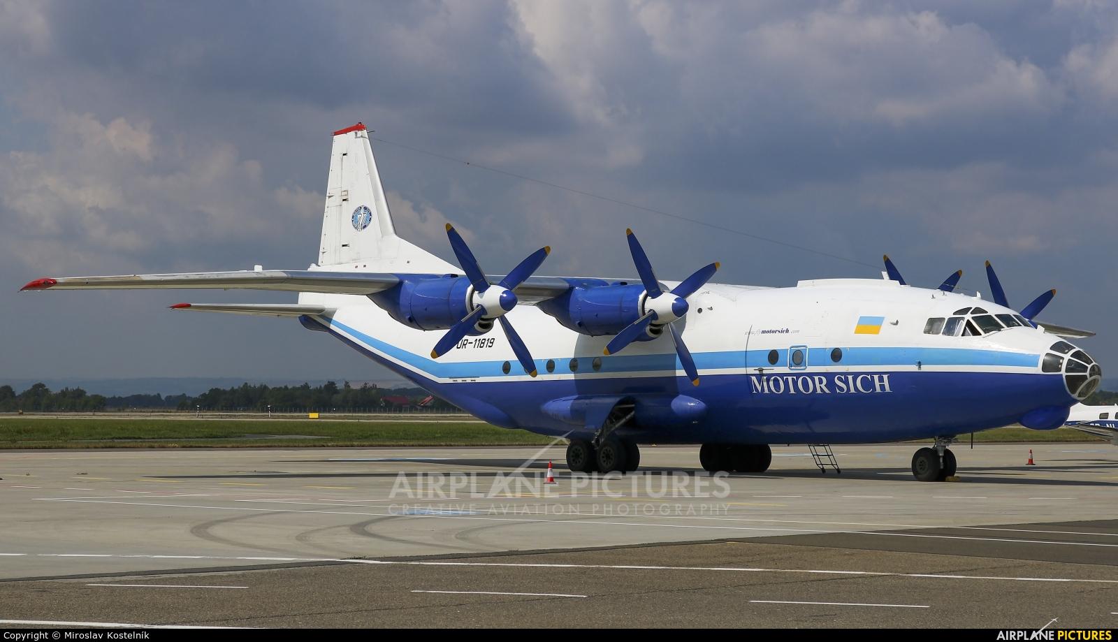 Motor Sich UR-11819 aircraft at Ostrava Mošnov