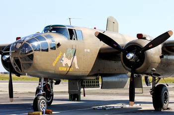 N320SQ - Private North American B-25J Mitchell
