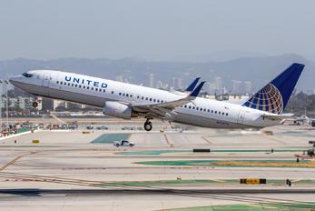 N73276 - United Airlines Boeing 737-800