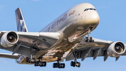 A6-APE - Etihad Airways Airbus A380