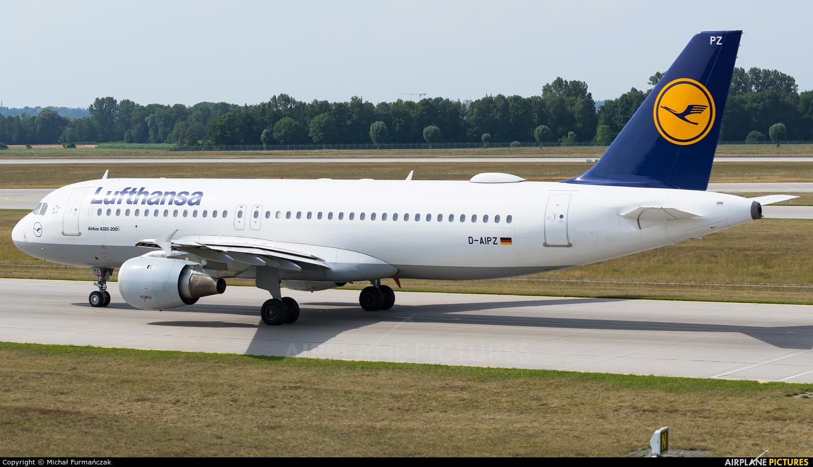 Lufthansa D-AIPZ aircraft at Munich