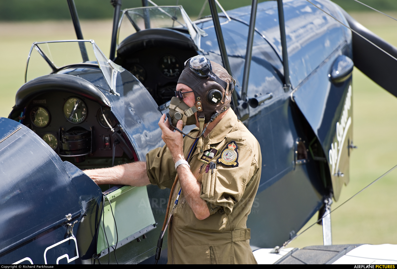 - Airport Overview - aircraft at Old Warden