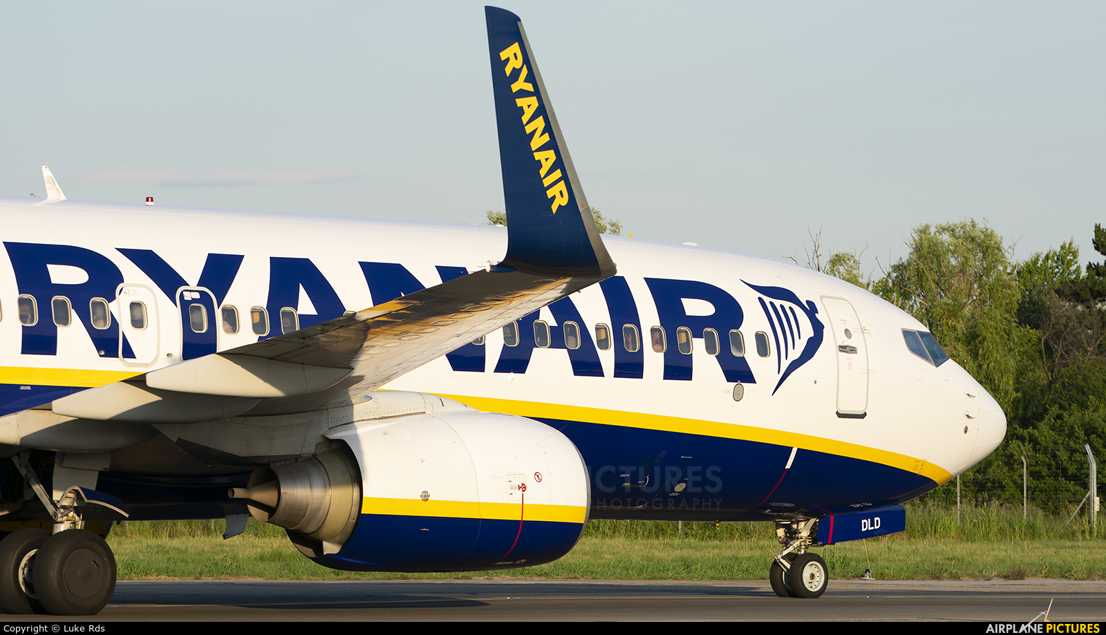 Ryanair EI-DLD aircraft at Bucharest - Henri Coandă