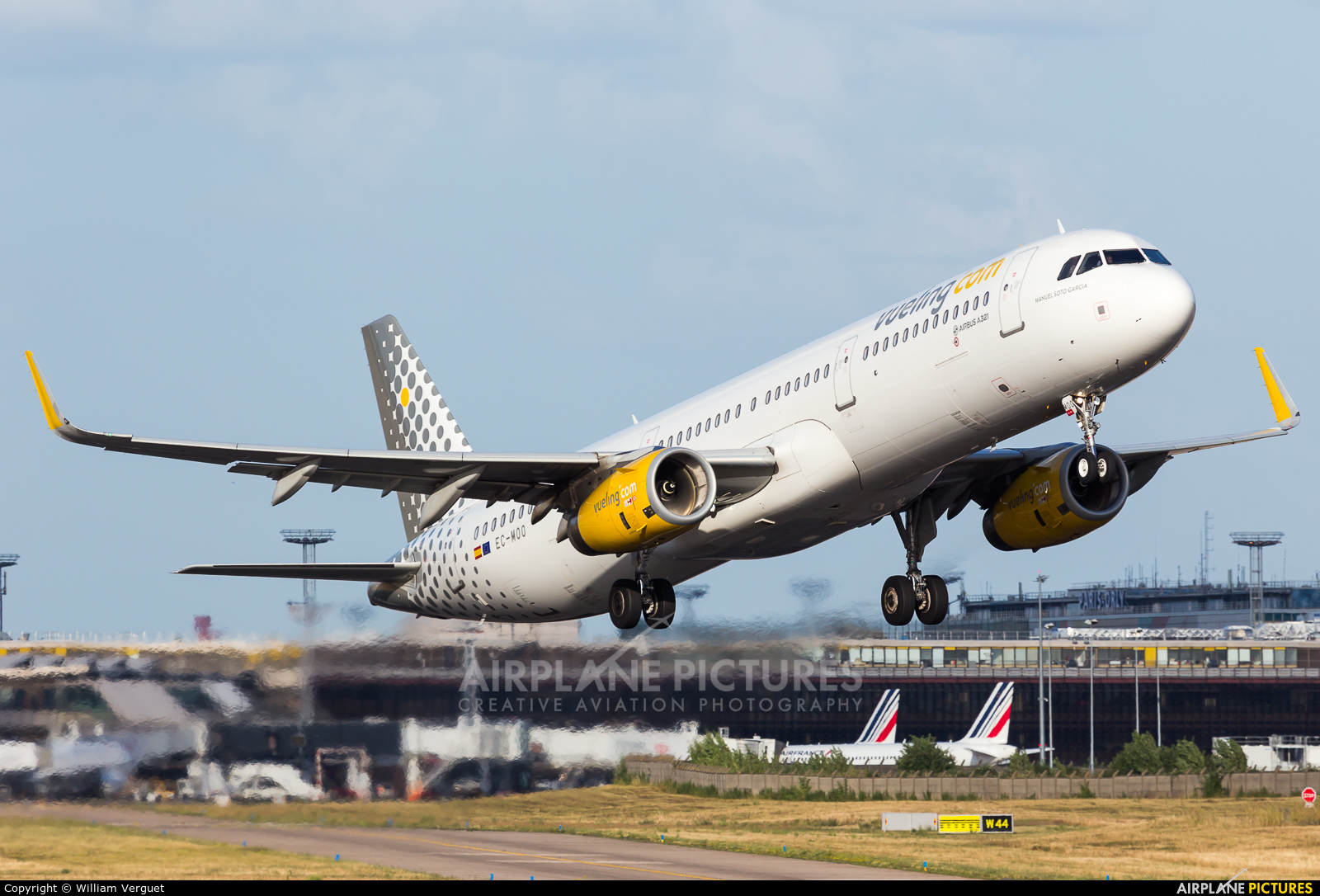 Vueling Airlines EC-MOO aircraft at Paris - Orly