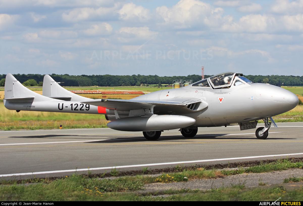 Private F-AZGU aircraft at Florennes