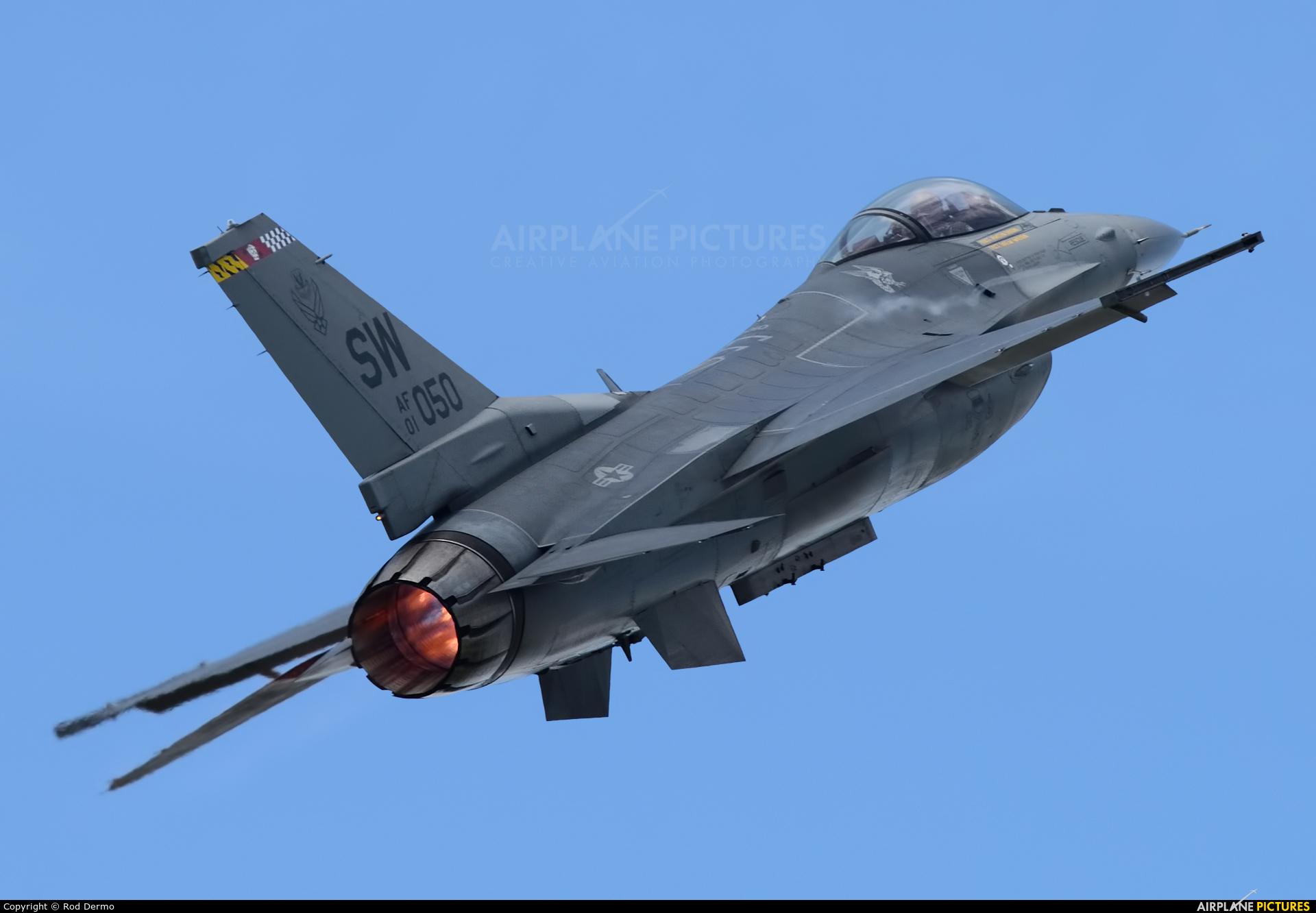 USA - Air Force 01-7050 aircraft at Detroit - Willow Run