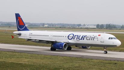 TC-OBY - Onur Air Airbus A321