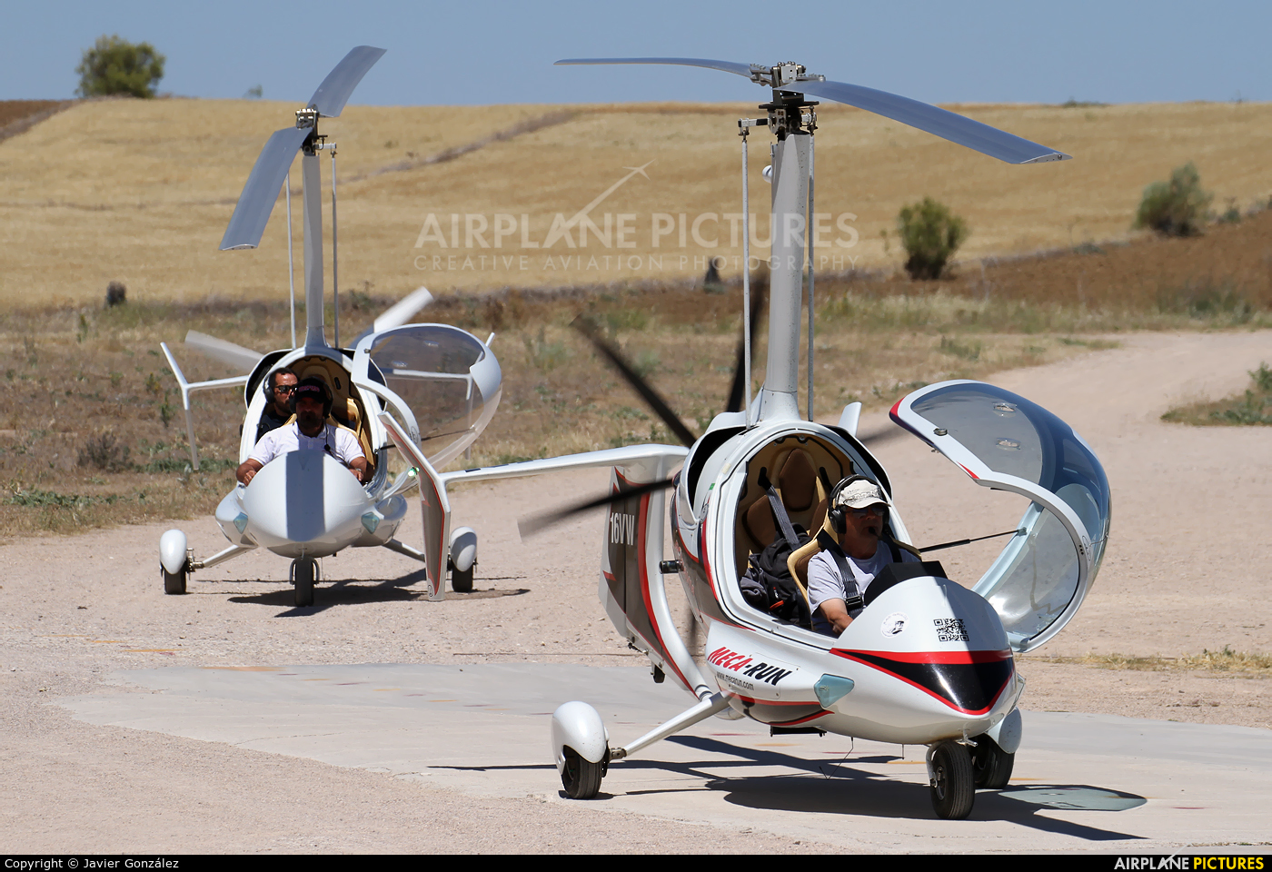 Private 16-VW aircraft at Camarenilla