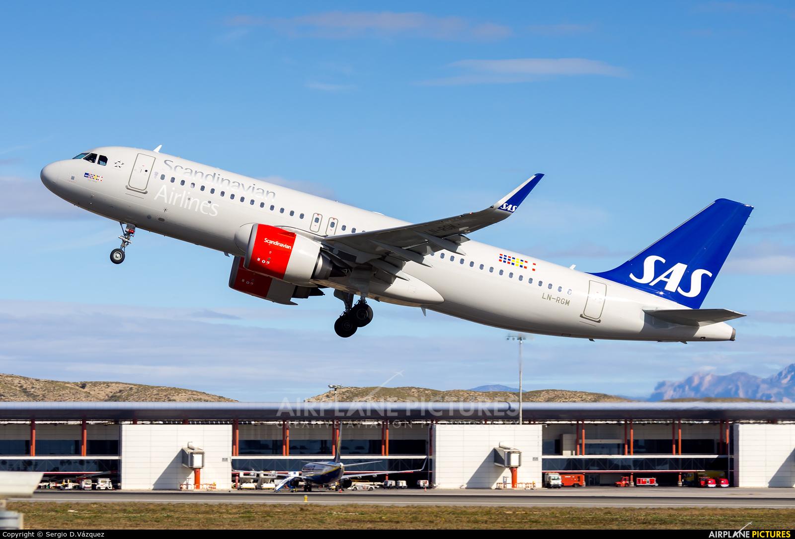 SAS - Scandinavian Airlines LN-RGM aircraft at Alicante - El Altet