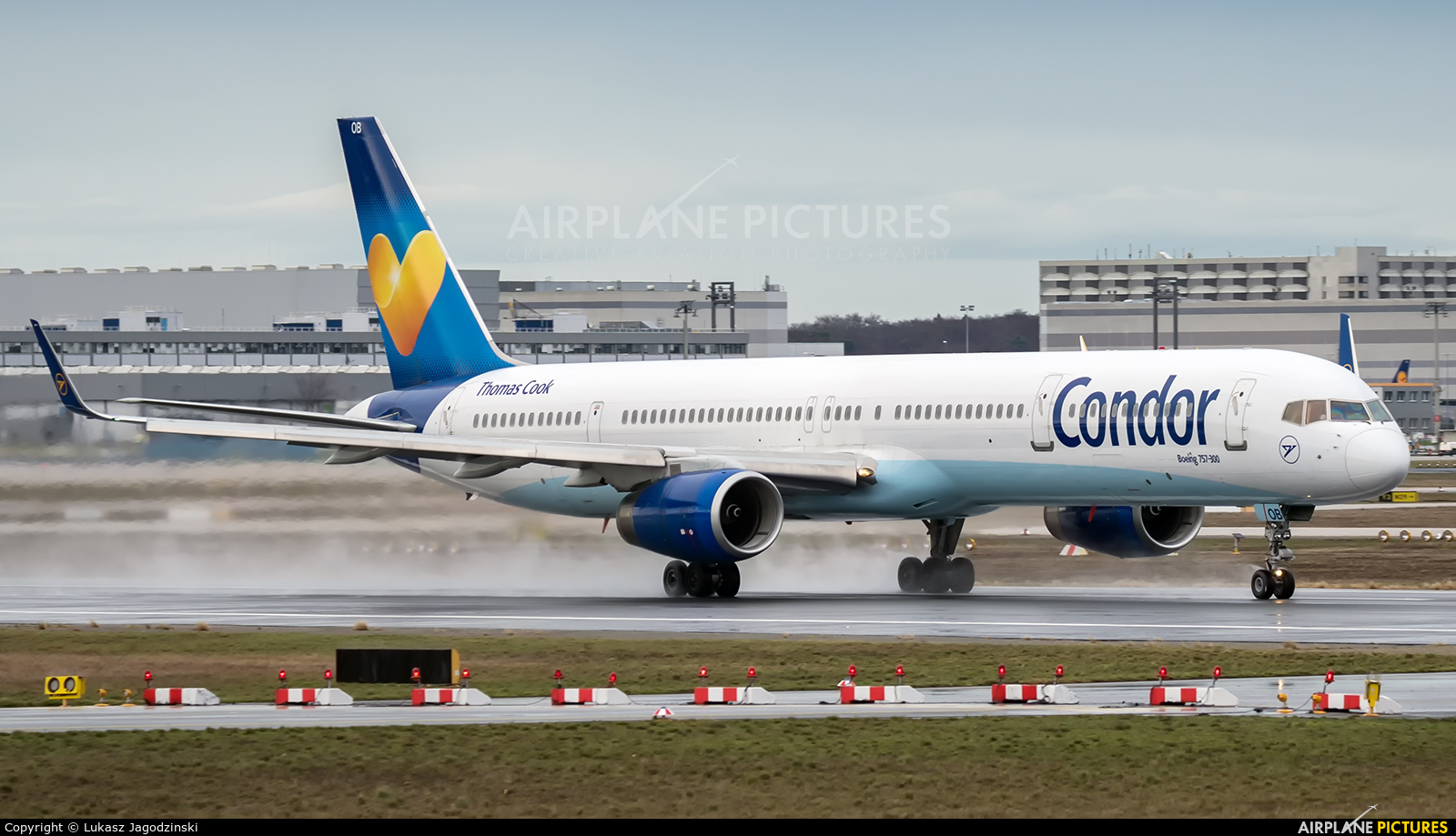 Condor D-ABOB aircraft at Frankfurt