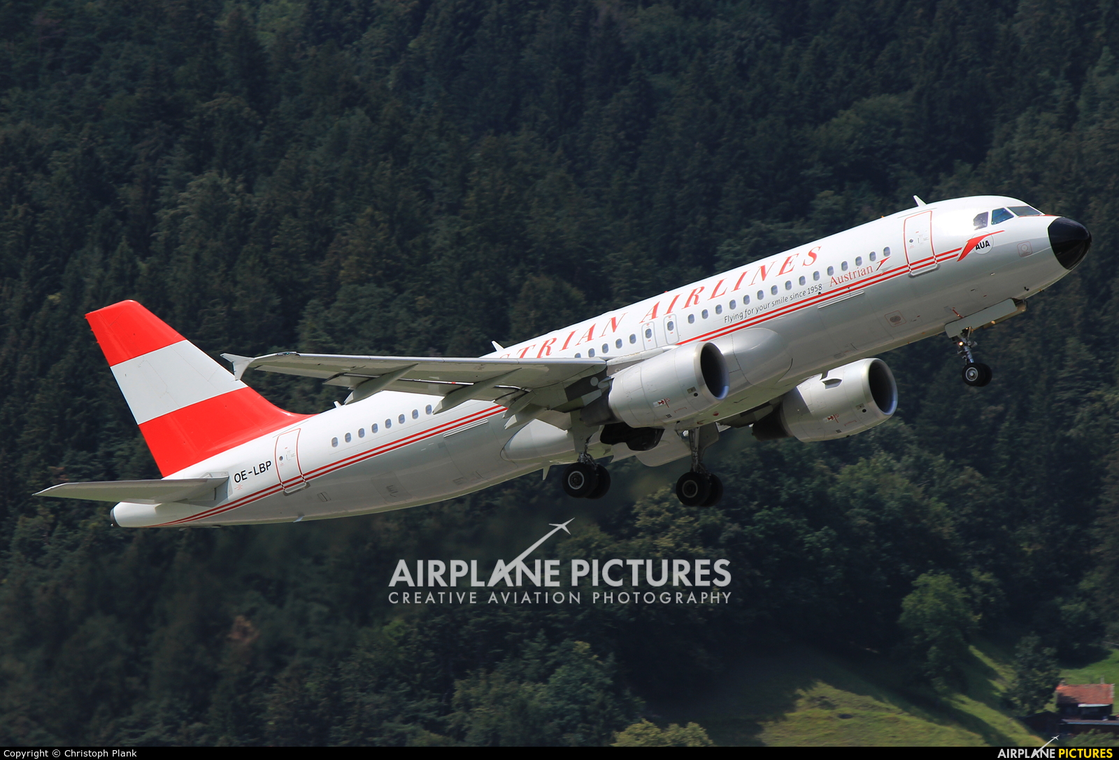 Austrian Airlines/Arrows/Tyrolean OE-LBP aircraft at Innsbruck