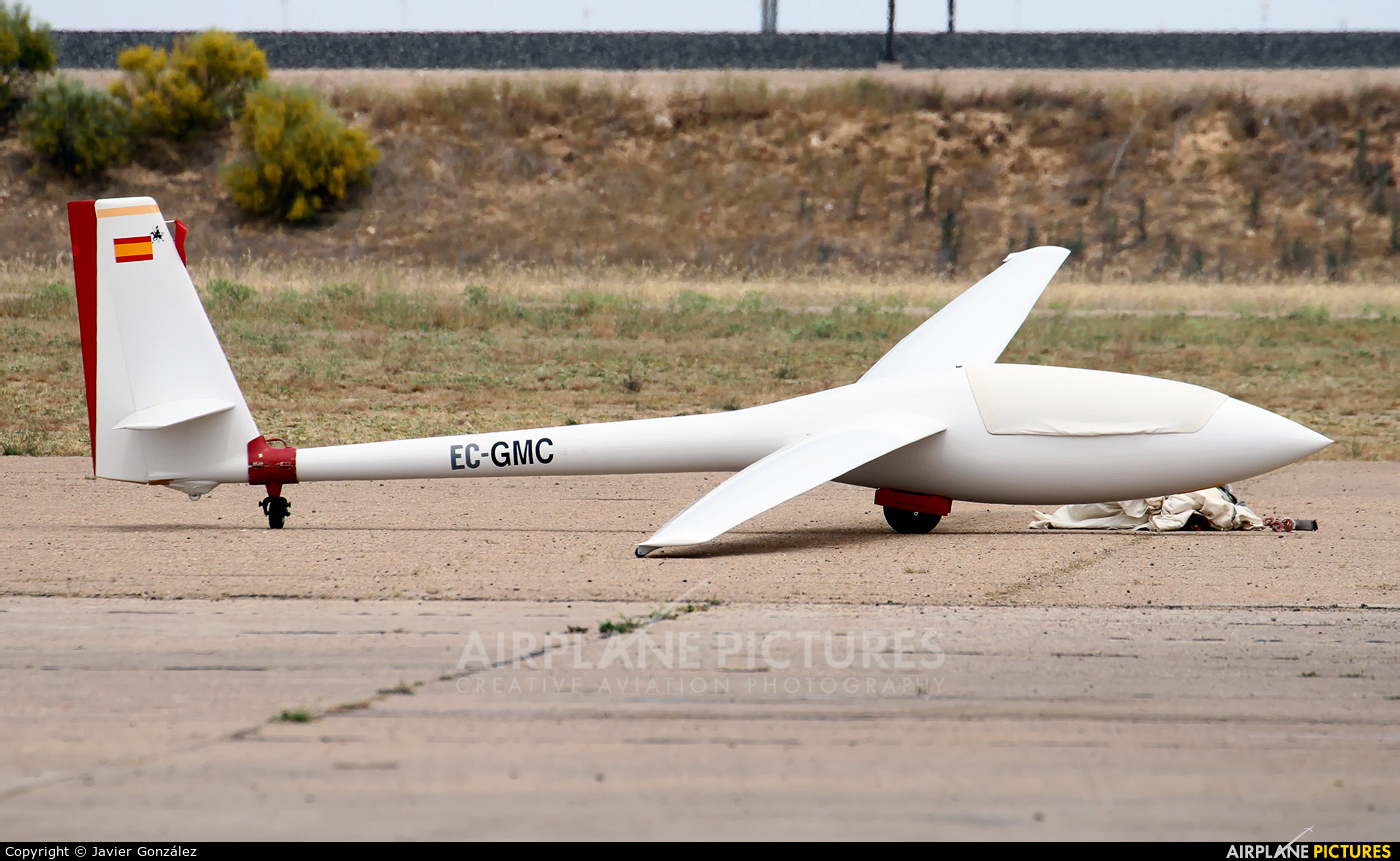 Private EC-GMC aircraft at Ocana