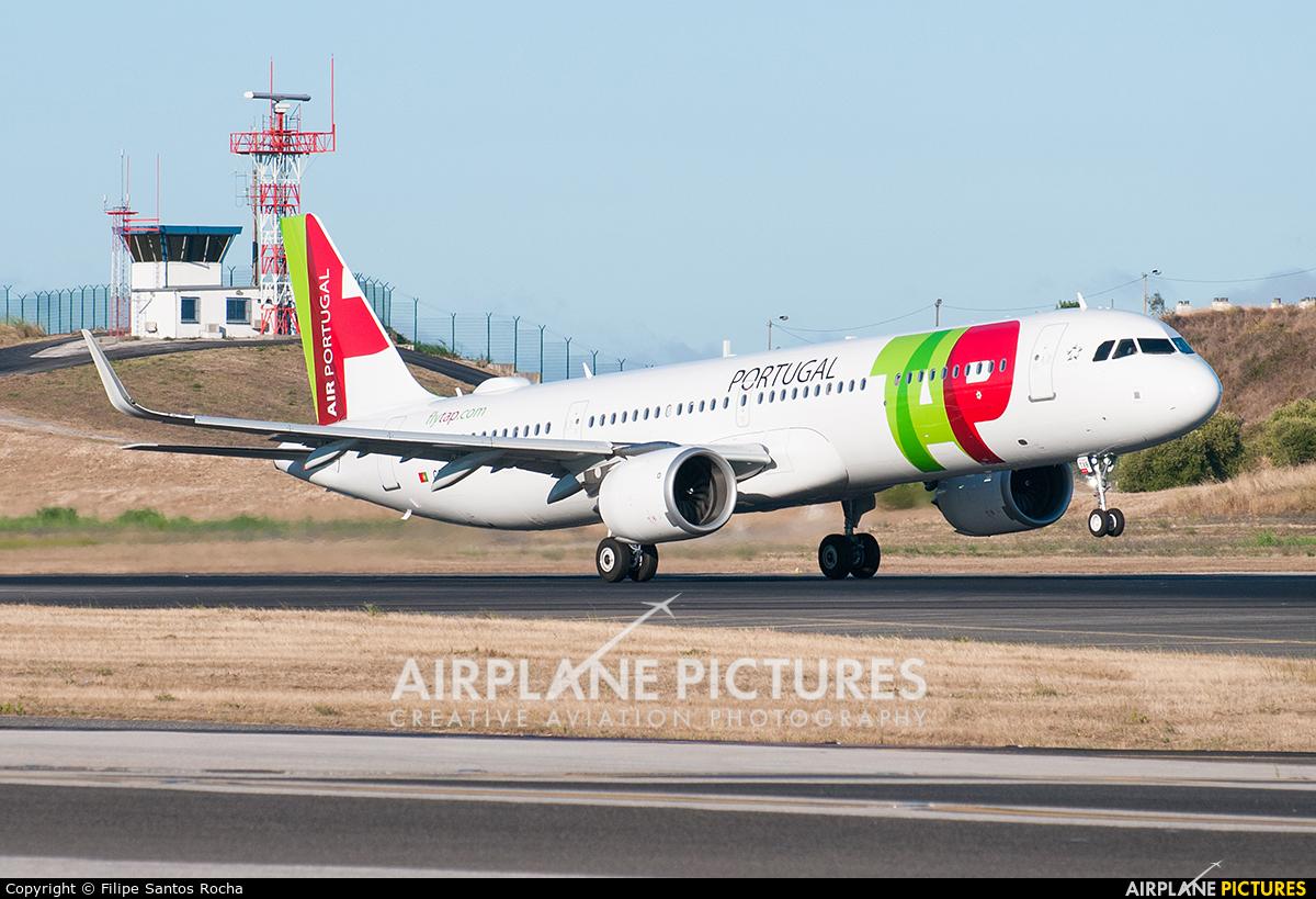 TAP Portugal CS-TXB aircraft at Lisbon