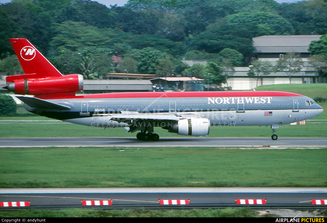 Northwest Airlines N152US aircraft at Singapore - Changi