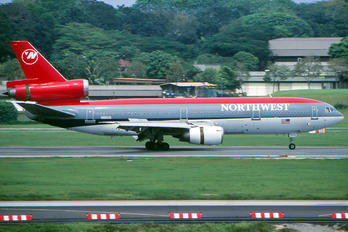 N152US - Northwest Airlines McDonnell Douglas DC-10-40