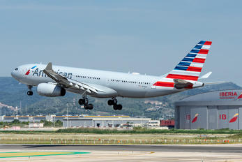 N292AY - American Airlines Airbus A330-200