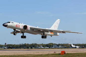 41171 - China - Air Force Xian H-6K