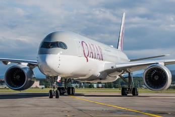 A7-AMK - Qatar Airways Airbus A350-900