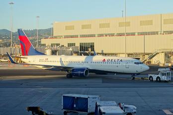 N3731T - Delta Air Lines Boeing 737-800