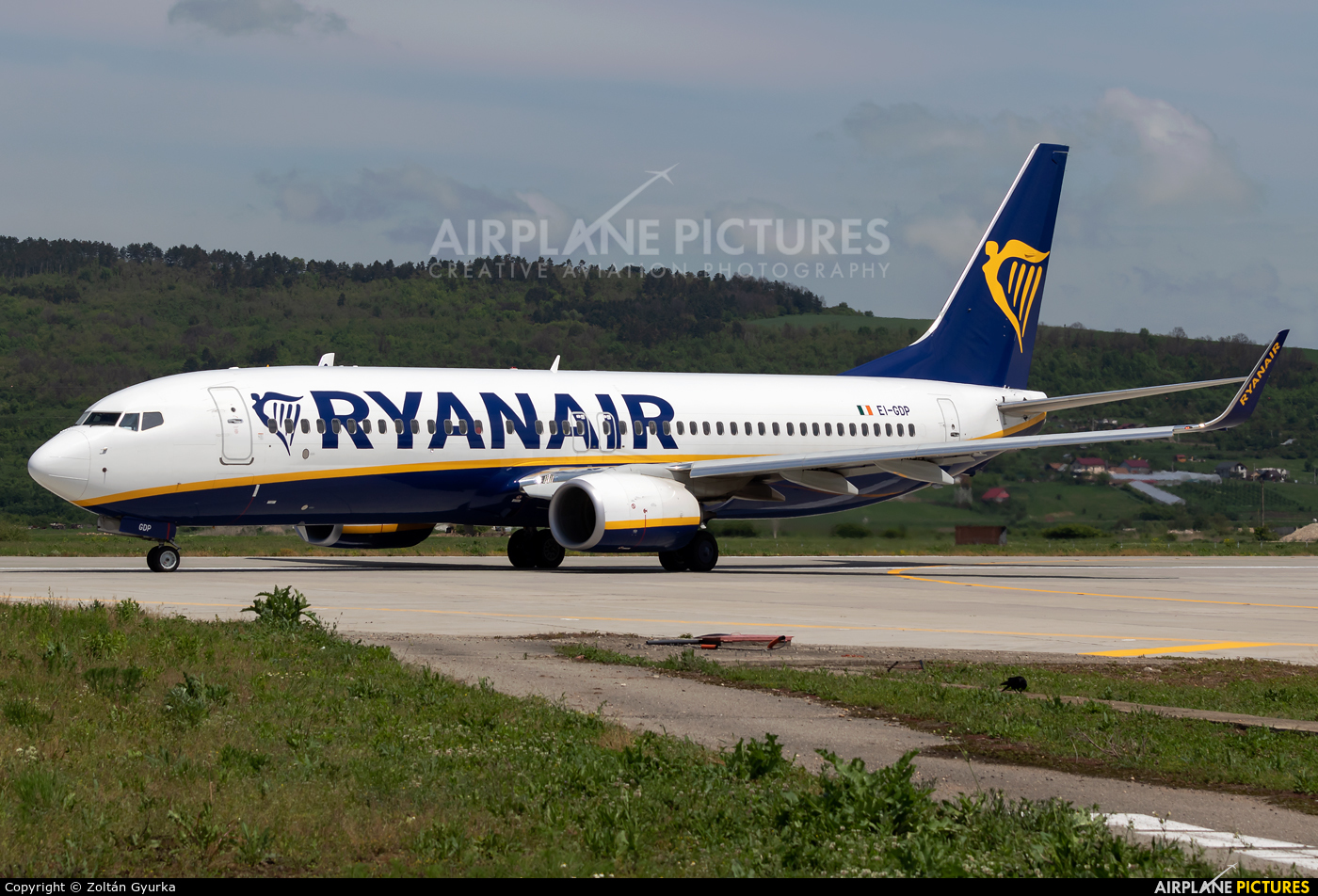 Ryanair EI-GDP aircraft at Cluj Napoca - Someseni