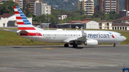 N977NN - American Airlines Boeing 737-800