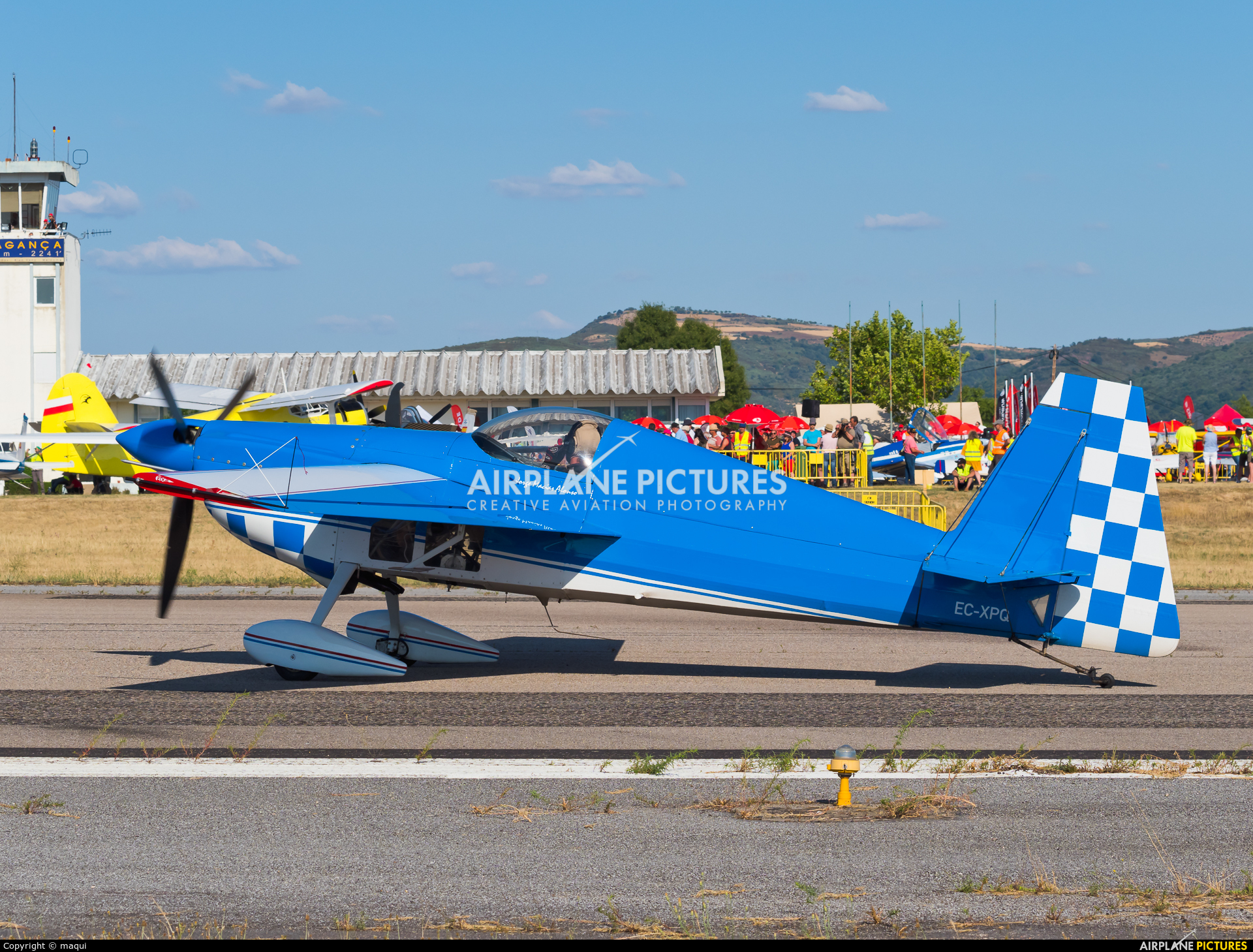Private EC-XPQ aircraft at Bragança