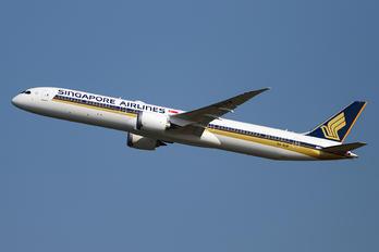 9V-SCM - Singapore Airlines Boeing 787-10 Dreamliner