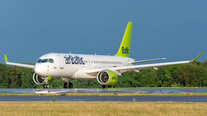 YL-AAQ - Air Baltic Airbus A220-300