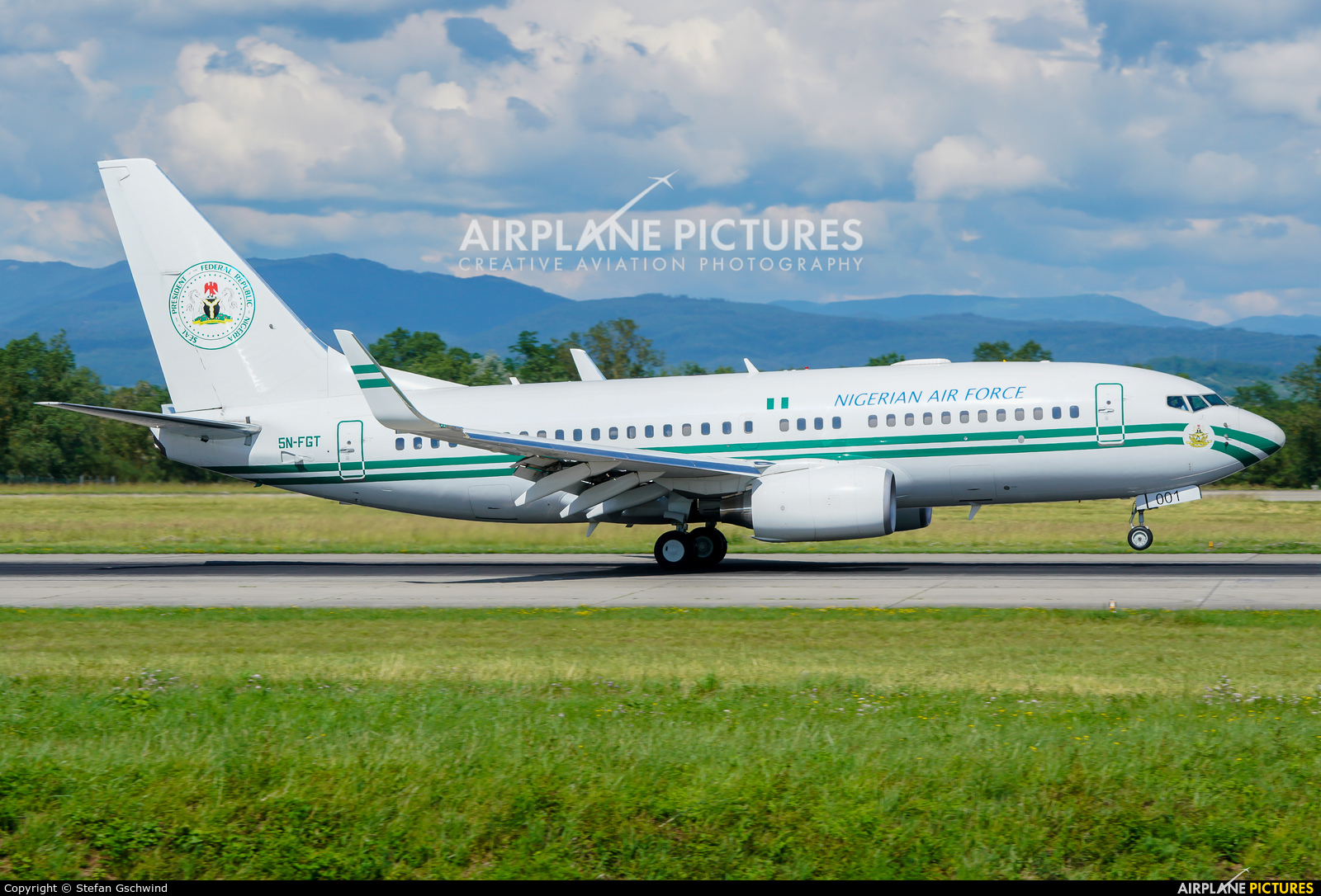 Nigeria - Air Force 5N-FGT aircraft at Basel - Mulhouse- Euro
