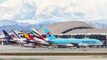 KLAX - - Airport Overview - Airport Overview - Overall View aircraft