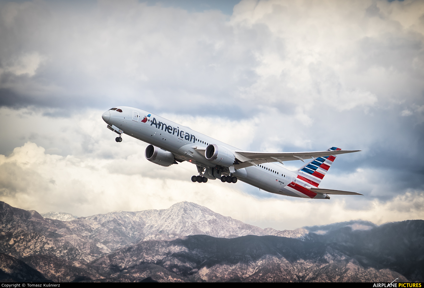 American Airlines N840AN aircraft at Los Angeles Intl