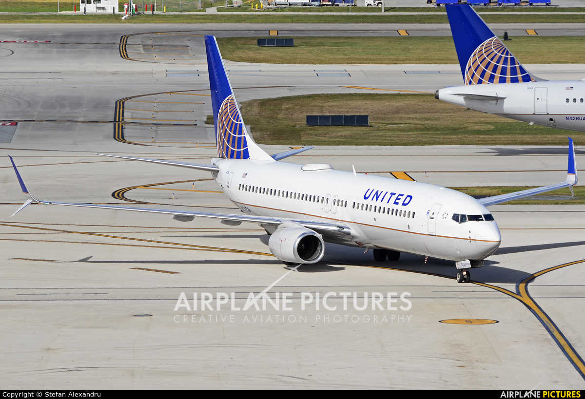 United Airlines N26226 aircraft at Fort Lauderdale - Hollywood Intl