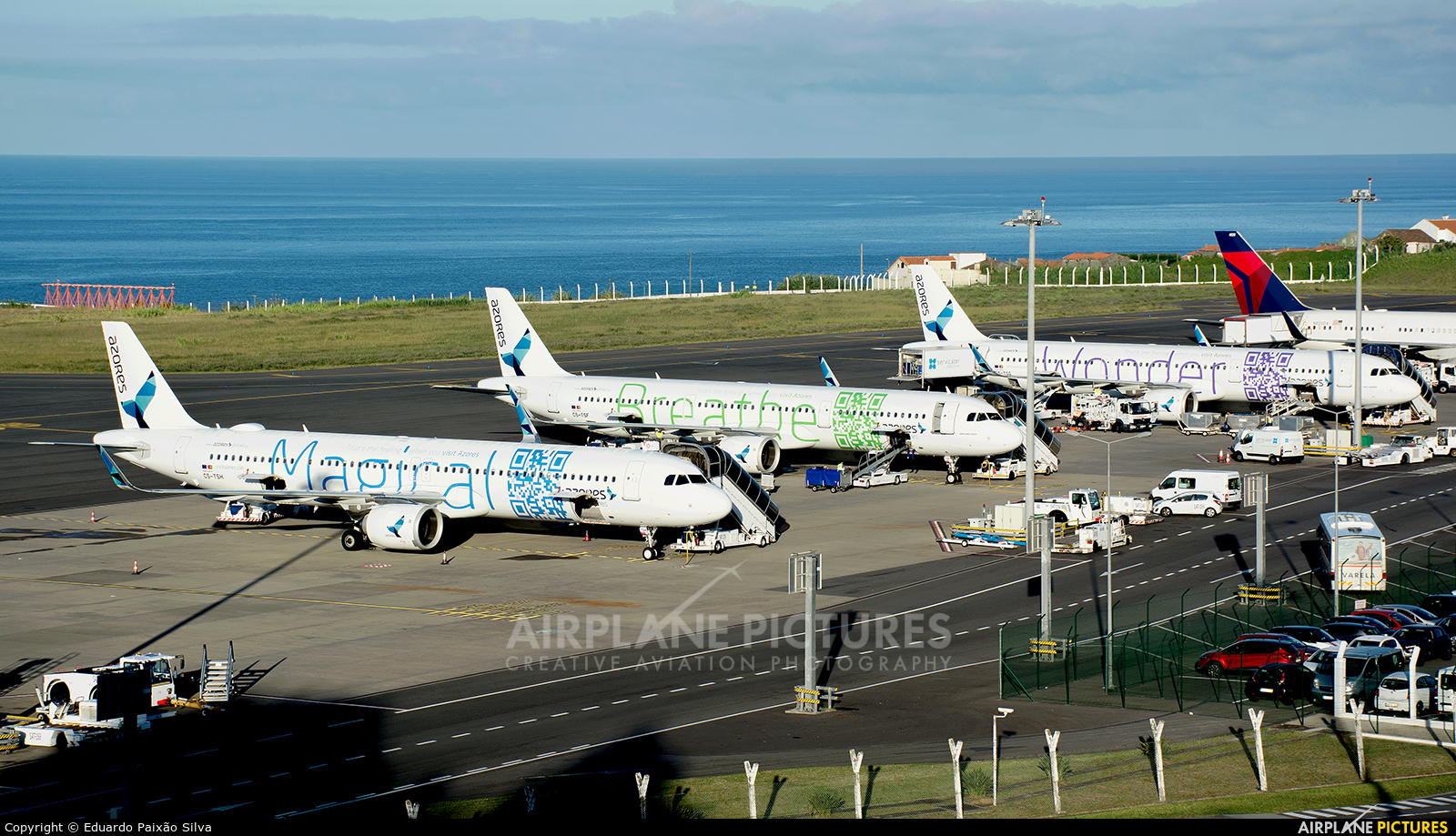 - Airport Overview LPPD aircraft at Azores - Ponta Delgada