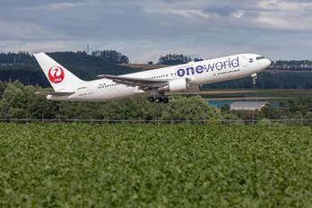 JA8980 - JAL - Japan Airlines Boeing 767-300