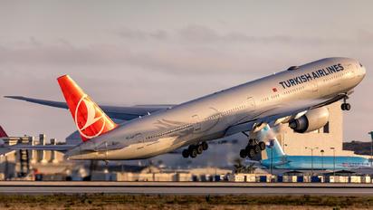 TC-JJJ - Turkish Airlines Boeing 777-300ER