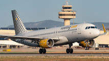EC-MAH - Vueling Airlines Airbus A320 aircraft
