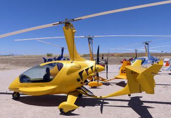 16-UY - Private ELA Aviacion 10 Eclipse