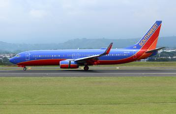 N8618N - Southwest Airlines Boeing 737-800