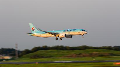 HL8313 - Korean Air Airbus A220-300