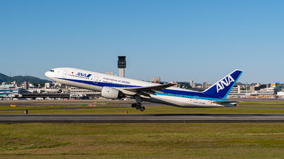 JA706A - ANA - All Nippon Airways Boeing 777-200ER