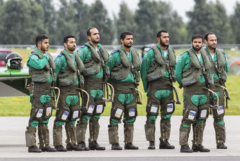 - - Saudi Arabia - Air Force: Saudi Hawks - Airport Overview - People, Pilot