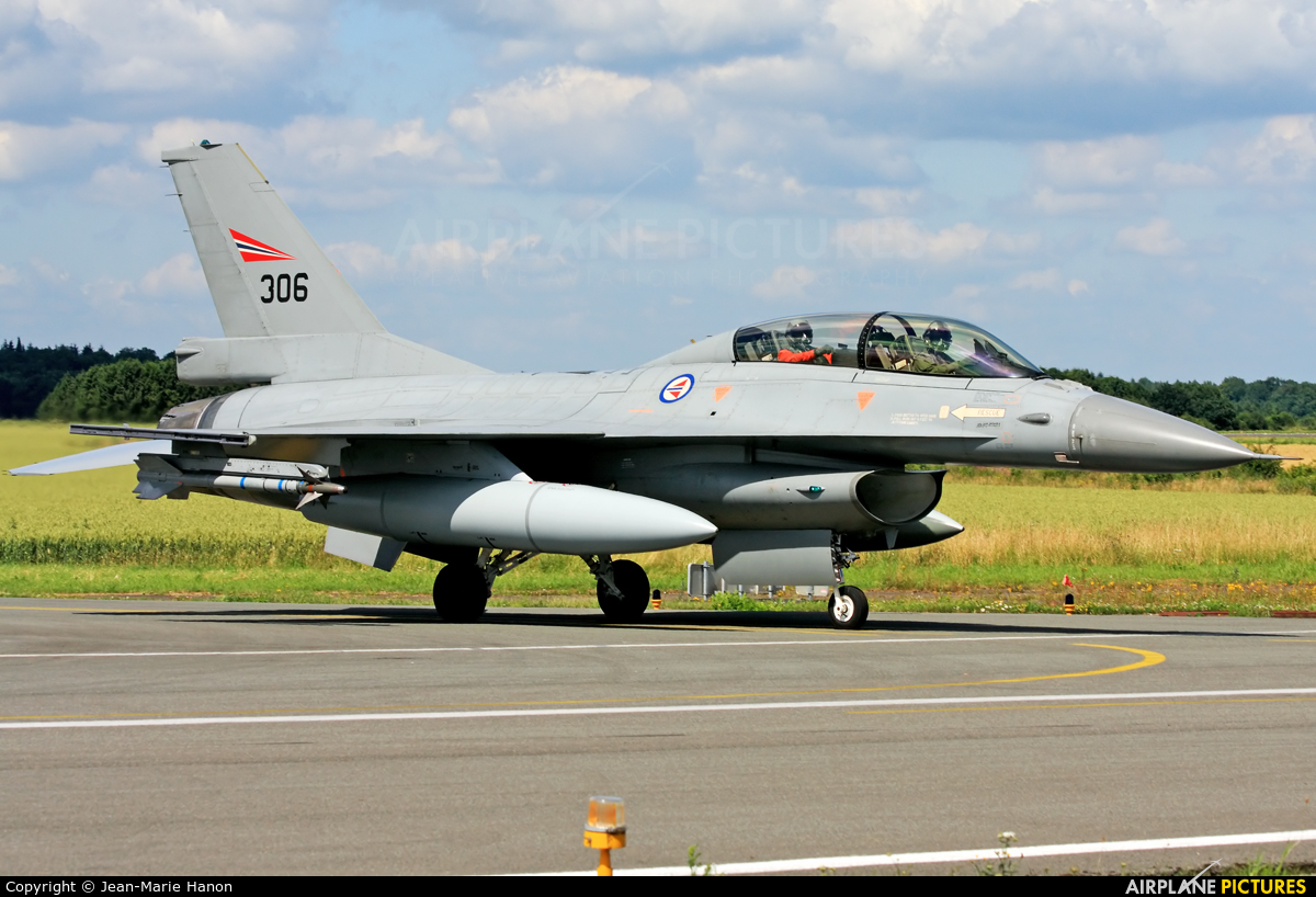 Norway - Royal Norwegian Air Force 306 aircraft at Florennes