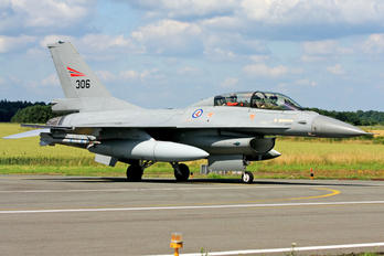 306 - Norway - Royal Norwegian Air Force General Dynamics F-16B Fighting Falcon
