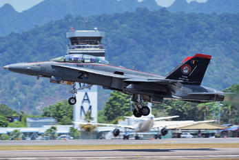 M45-01 - Malaysia - Air Force McDonnell Douglas F-18D Hornet