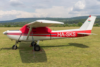 HA-SKS - Private Cessna 152