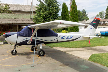 HA-SUR - Private Cessna 152