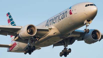 N781AN - American Airlines Boeing 777-200ER