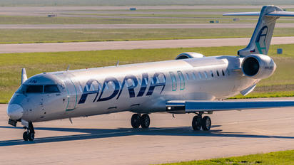 S5-AAN - Adria Airways Canadair CL-600 CRJ-900