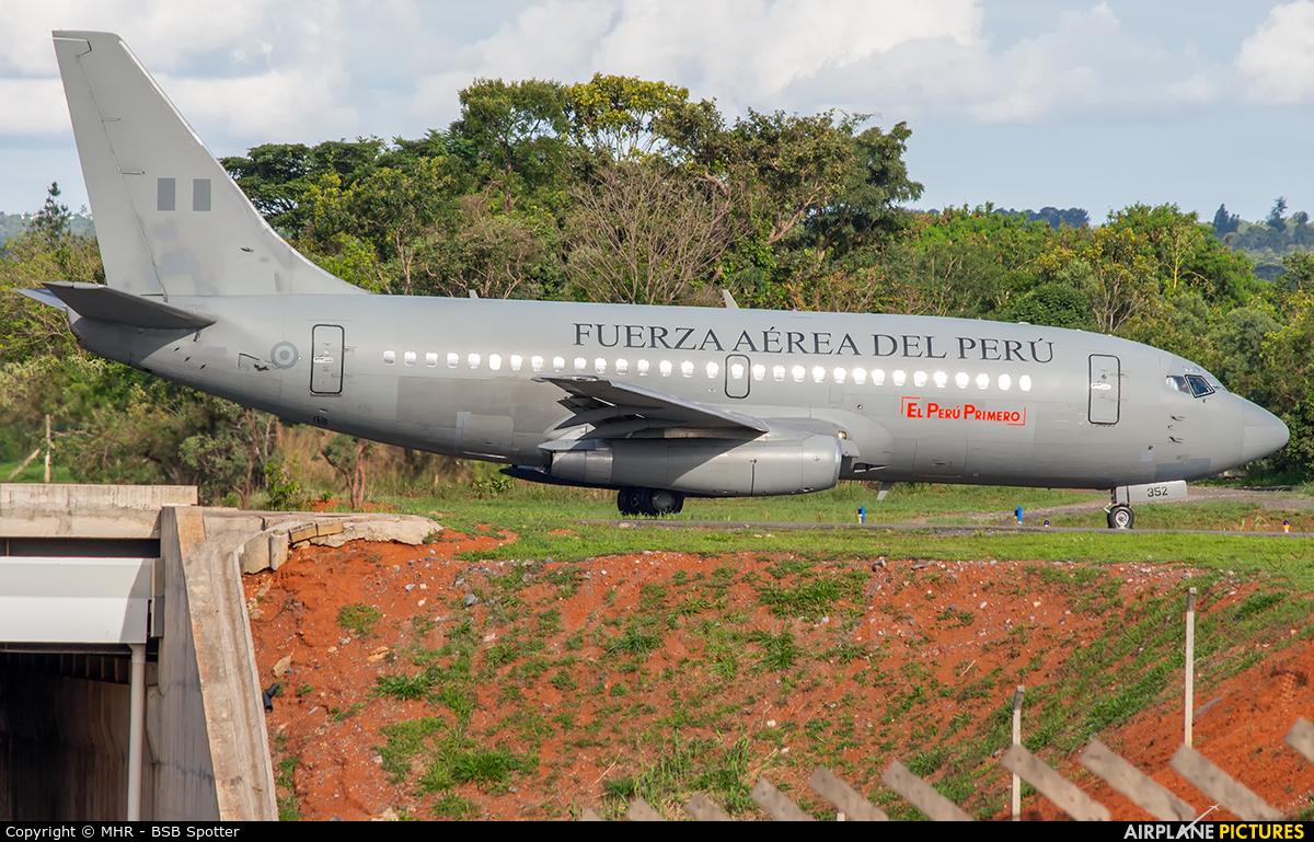 Peru - Air Force FAP352 aircraft at Brasília - Presidente Juscelino Kubitschek Intl